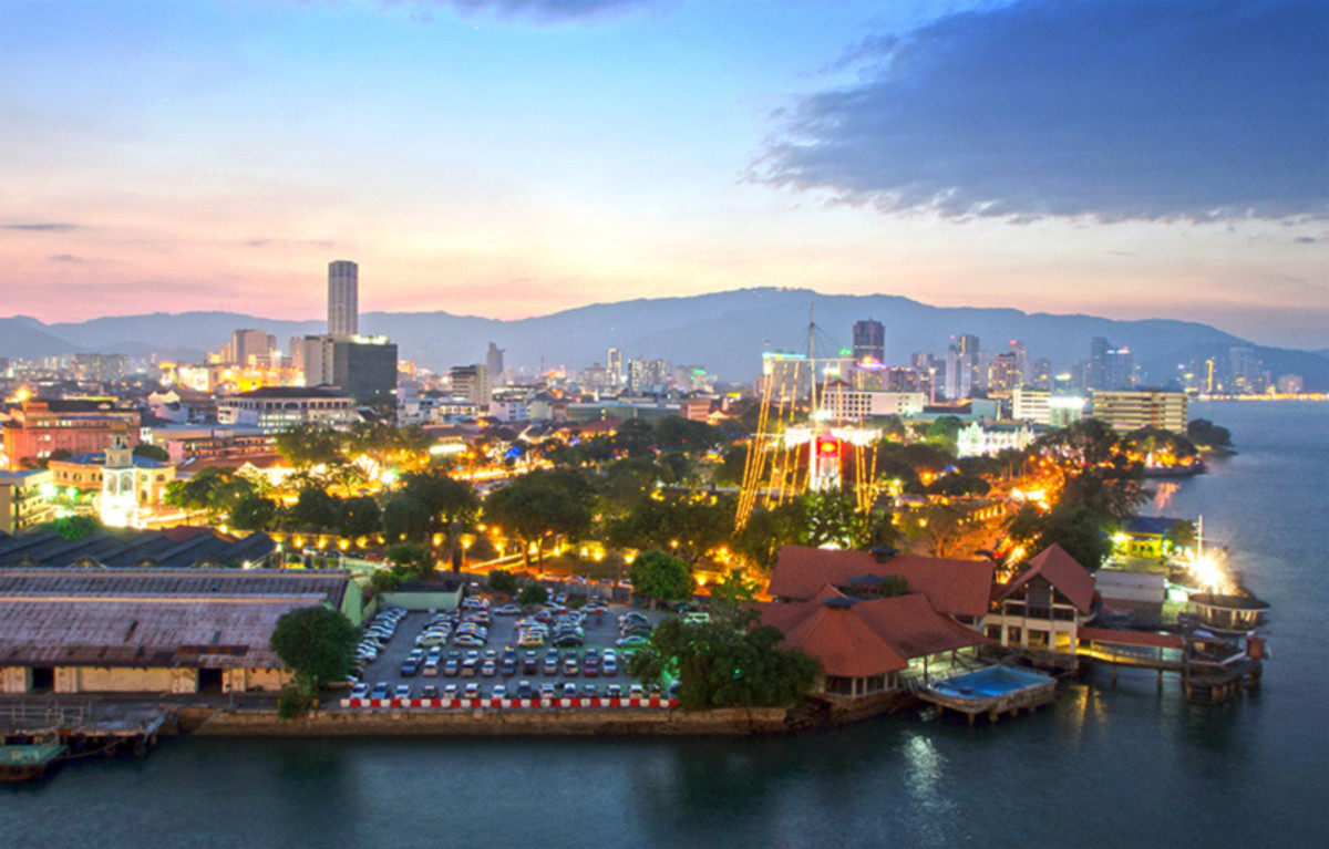Those arriving at Penang by cruise would get to enjoy this view from Swettenham Pier during sunset.
