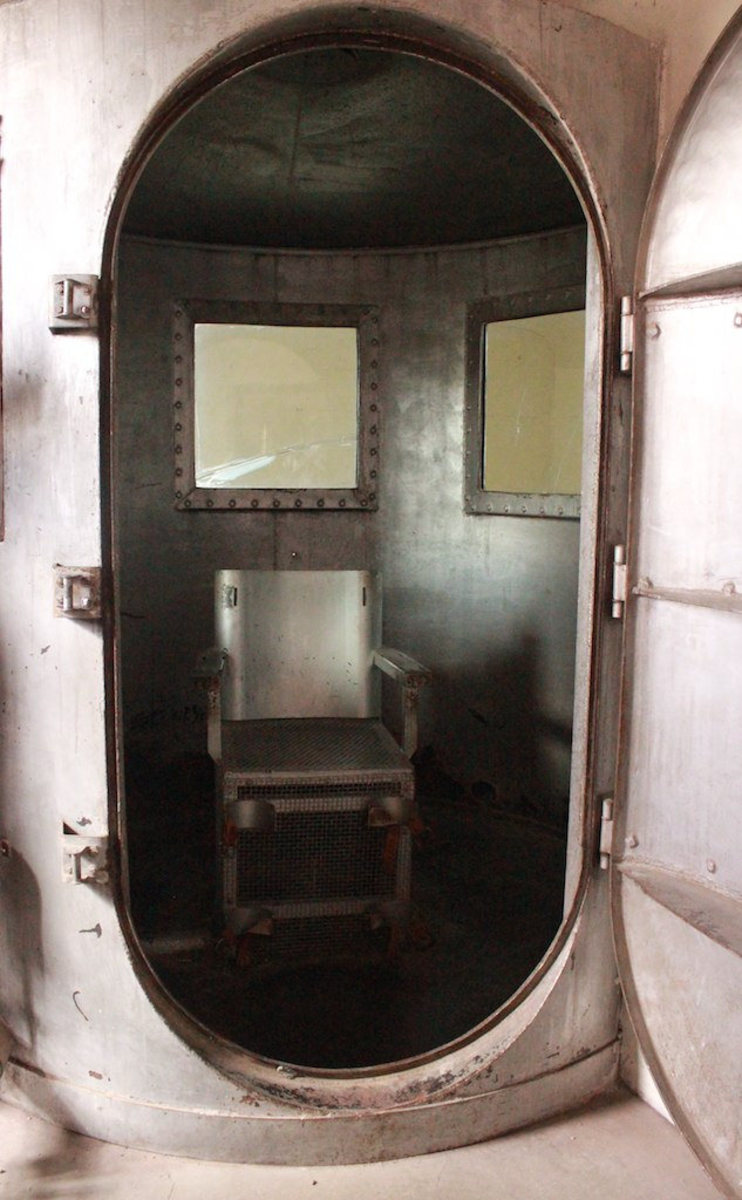 A real gas chamber where people were really executed.