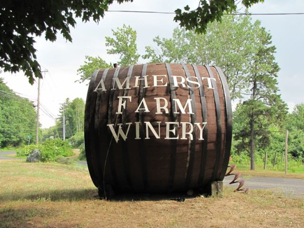 wine-tasting-in-the-pioneer-valley-of-western-massachusetts