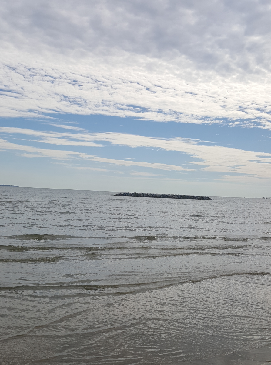 A beautiful view of Lake Erie on the beach at East Harbor State Park.