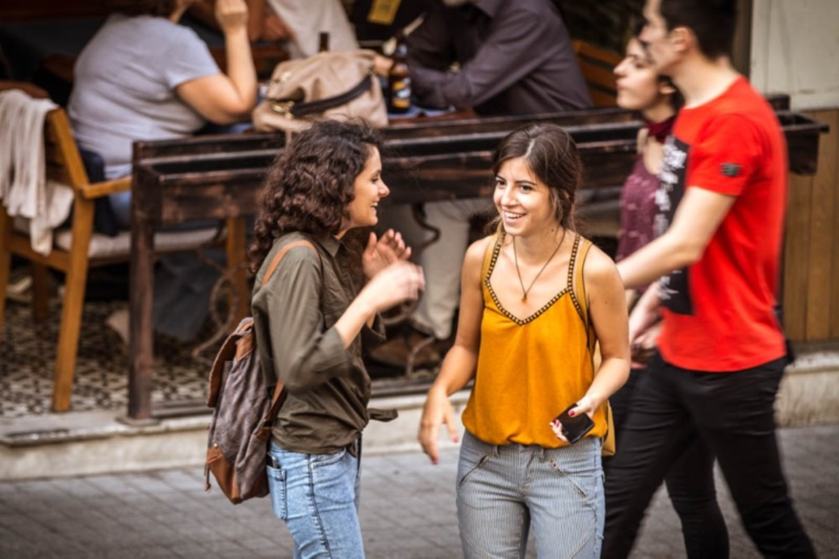 Young Turkish women in Istanbul, Turkey