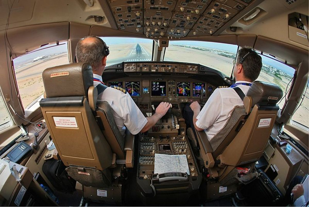 an-airline-pilots-tips-for-holiday-air-travel
