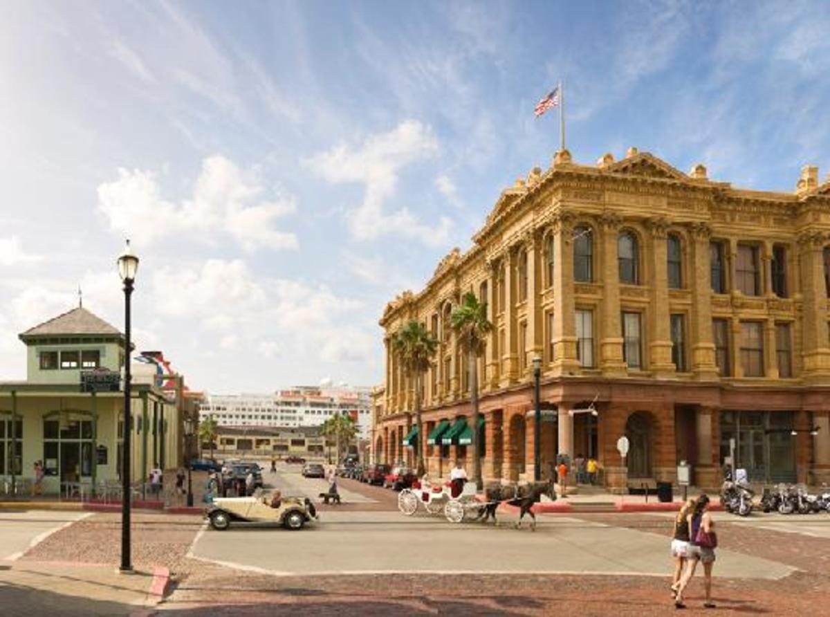 Downtown Galveston, The Strand