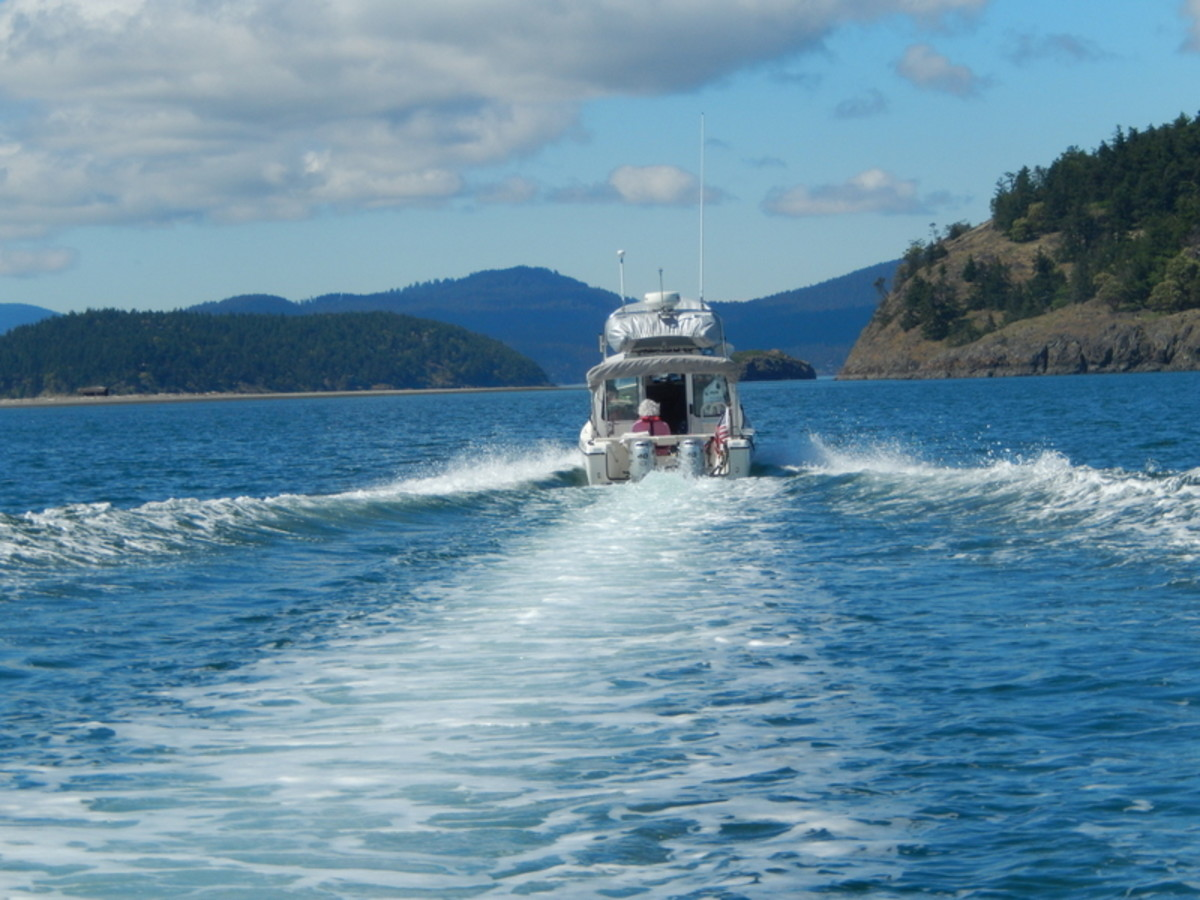 We followed another C-Dory, well-equipped, with a dingy on top and with an experienced crew, across Rosario Strait toward Friday Harbor, Washington.