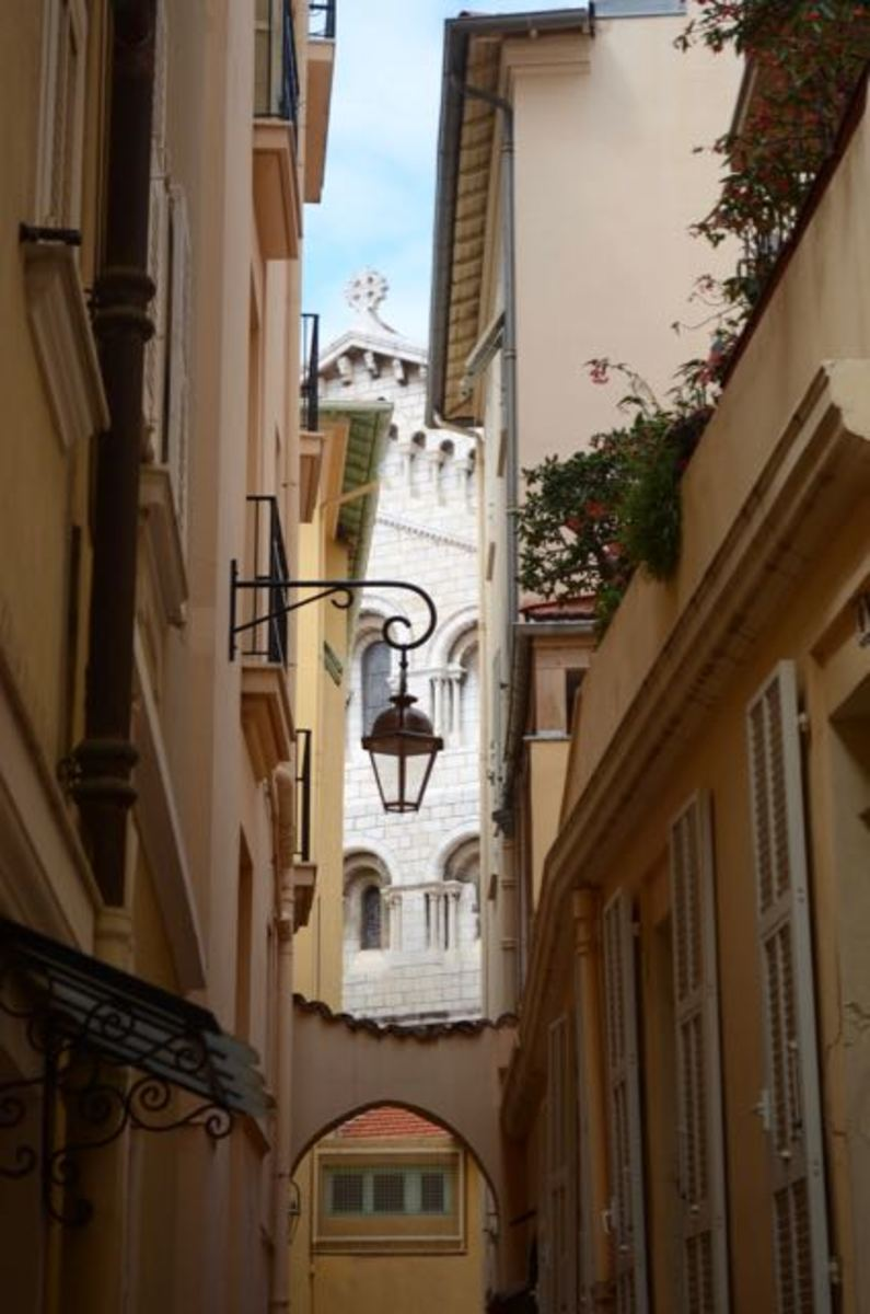 Laneways of Monaco-Ville (c) A. Harrison