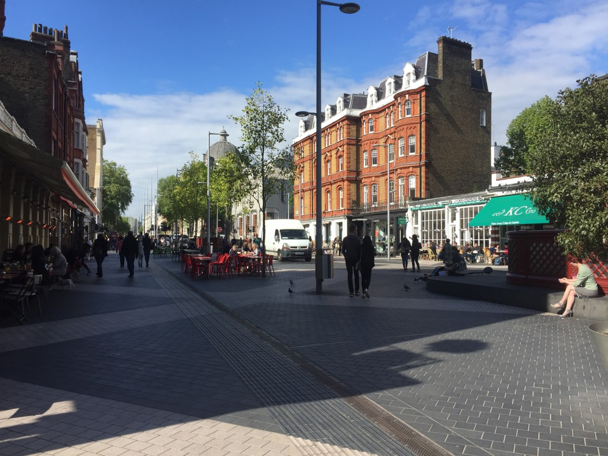 South Kensington, with Kensington Creperie on the right.