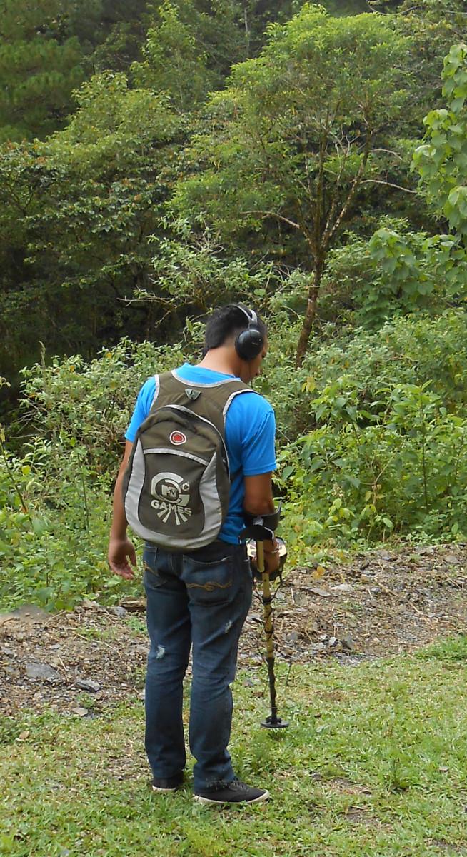prospecting-for-gold-in-honduras