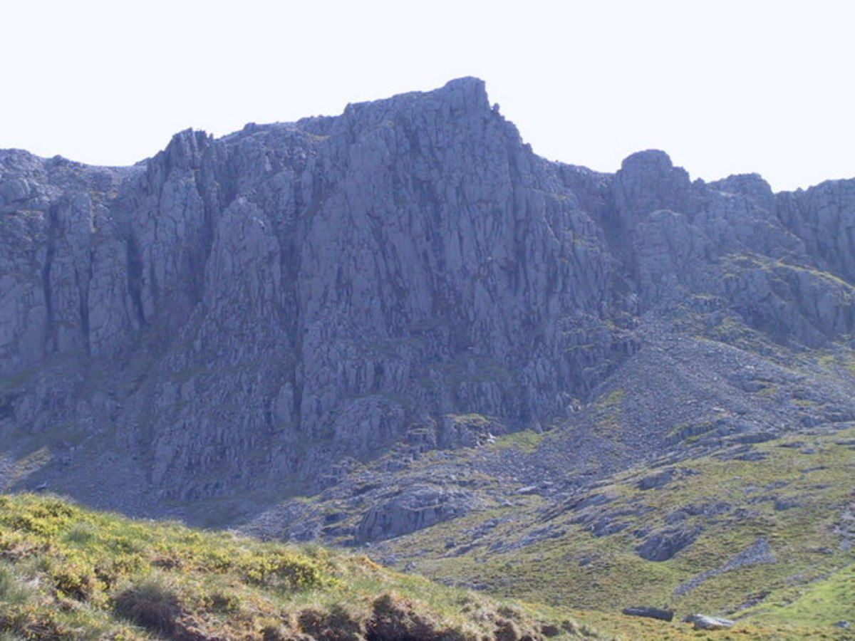 Pikes Crag,Scafell Pike, the highest point in the Lake District.