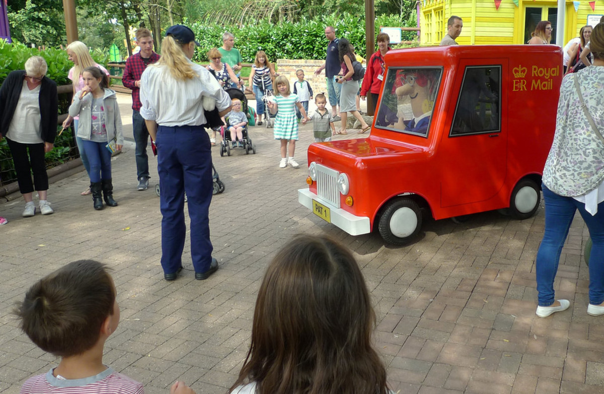 Postman Pat visits Alton Towers (2014)