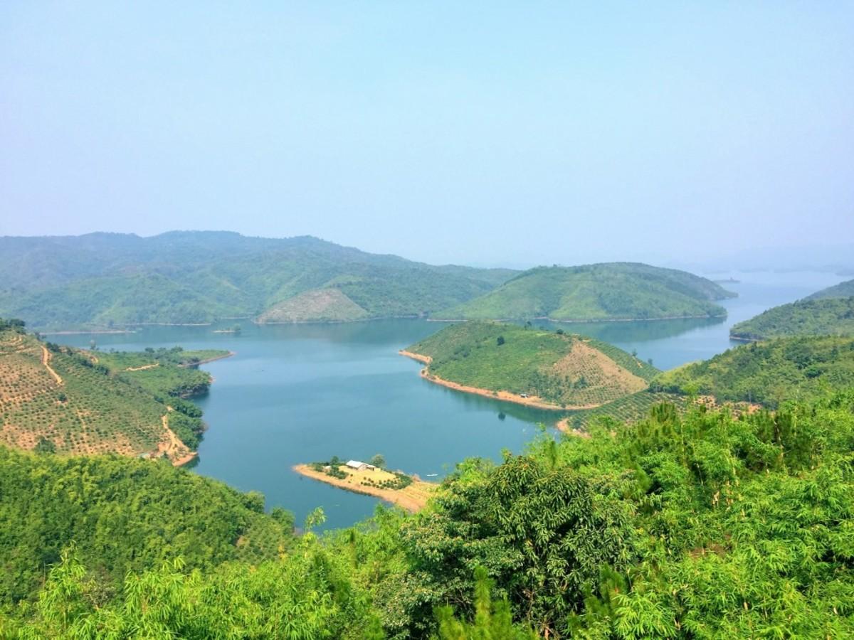 The Amazing Ta Dung Lake