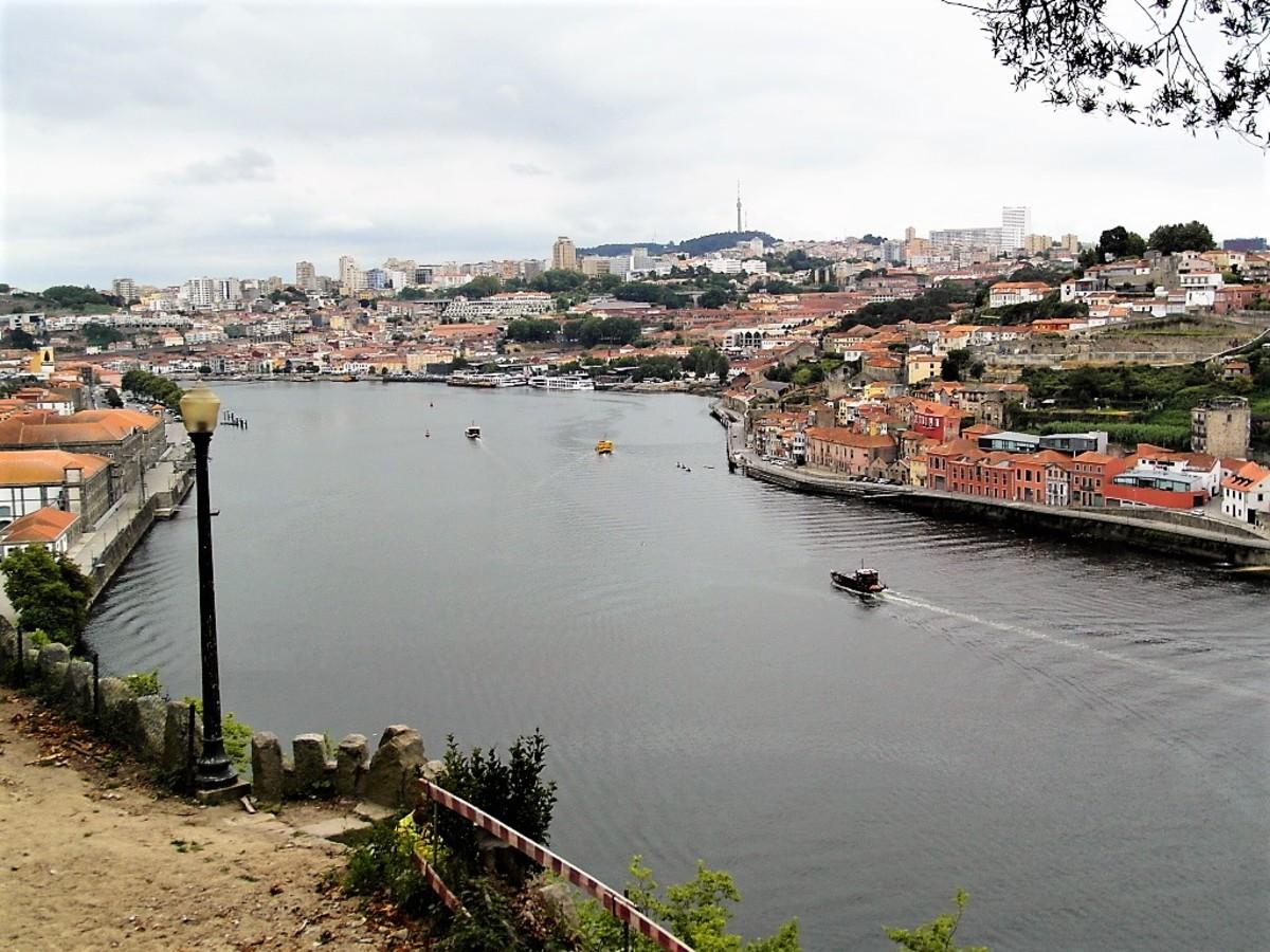 View towards Vila Nova de Gaia from Jardim do Palacio de Cristal.