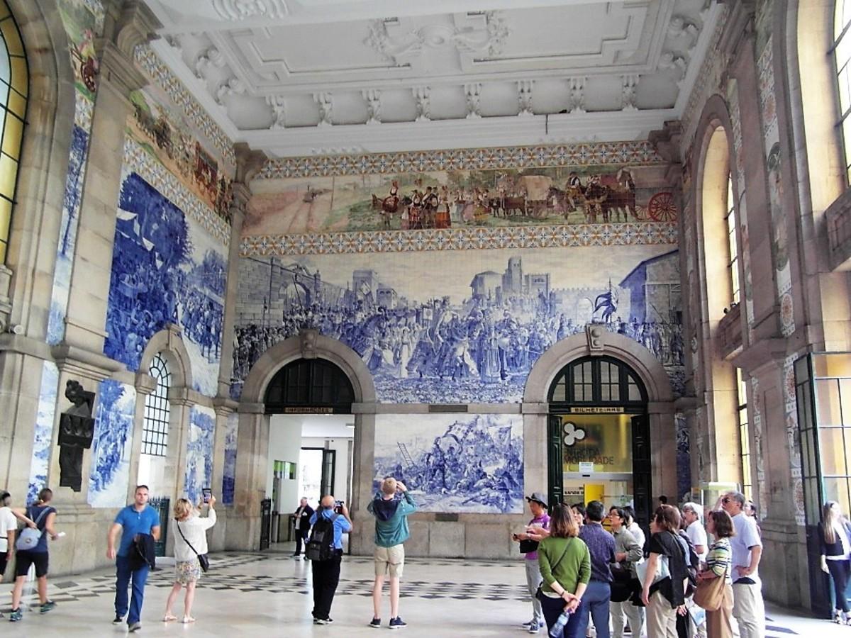 The entrance hall, Estacao Sao Bente.