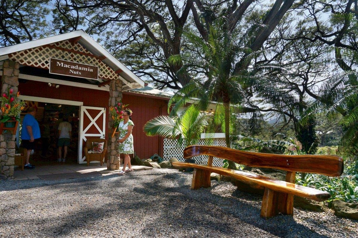 Tropical Farms Macadamia Nut Outlet
