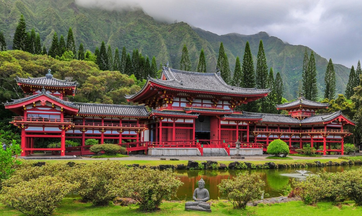 Oahu's Byodo-In Temple pays tribute to the first Japanese immigrants.