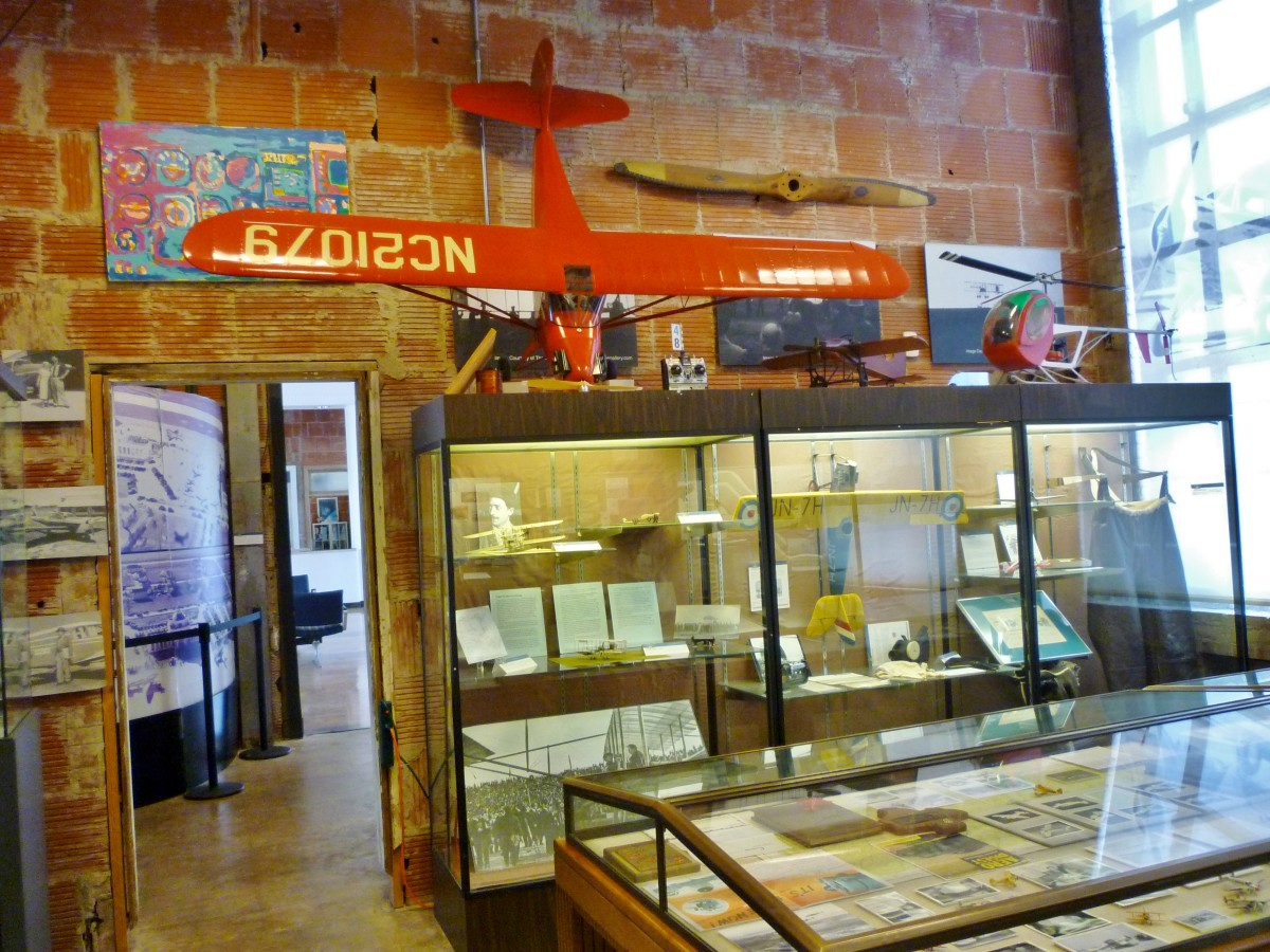 1940 Air Terminal Museum display cases