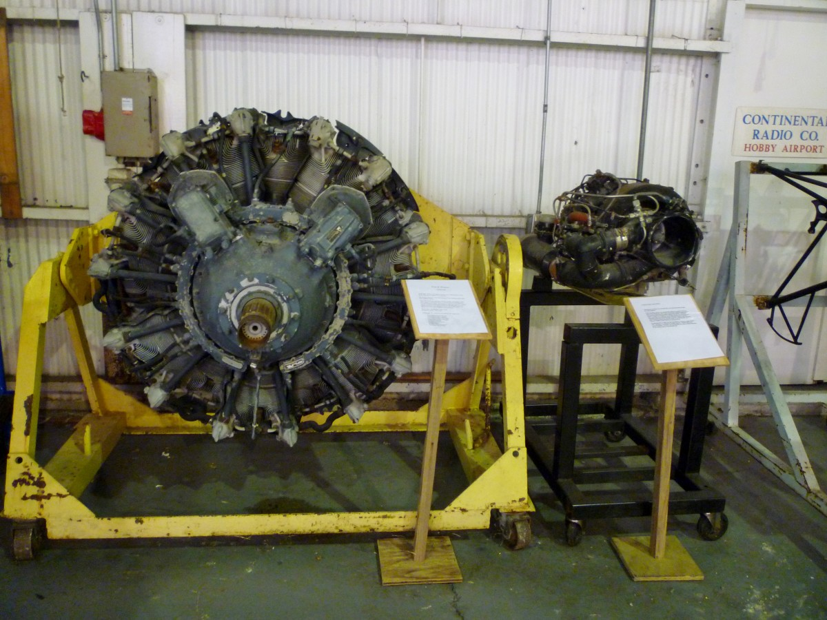 Aero engine auxiliary unit display at 1940 Air Terminal Museum Hangar