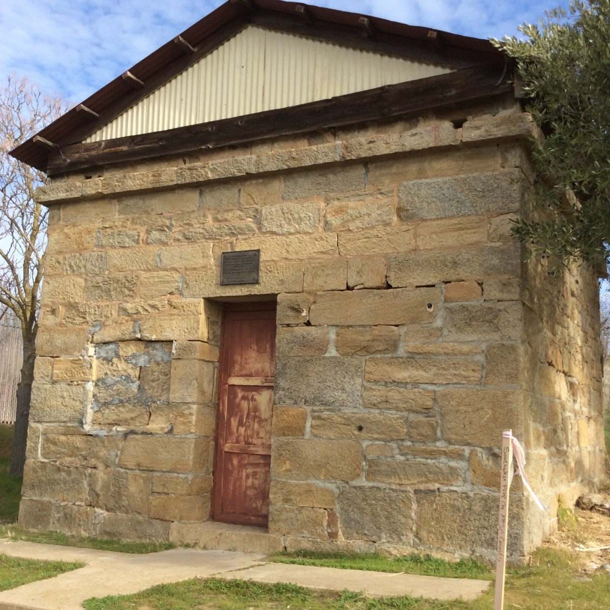 The old jail in Hornitos. At some point it was decided that it didn't really need a front window. There are six-inch windows on two sides.