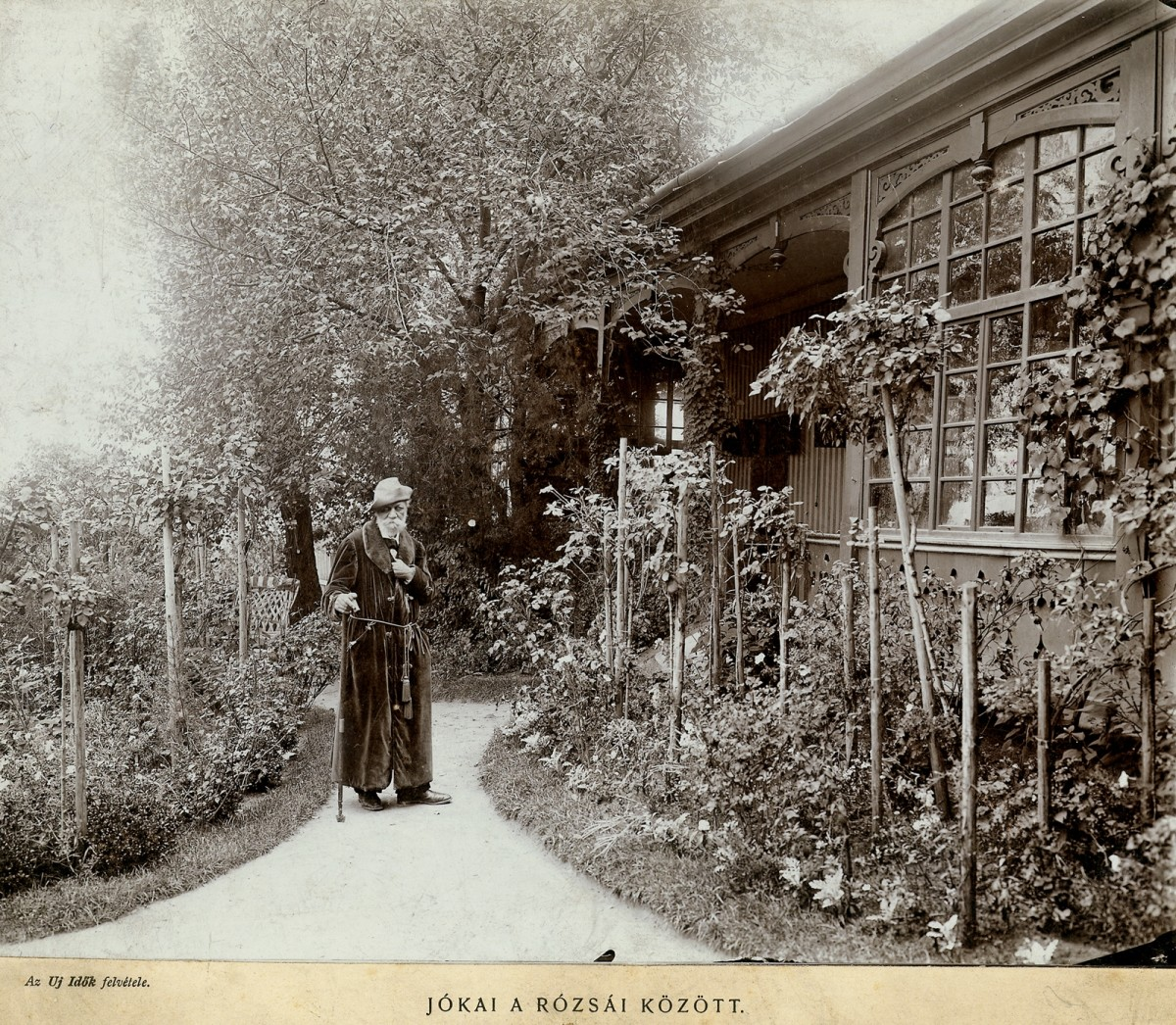 Mór Jókai front of his Villa