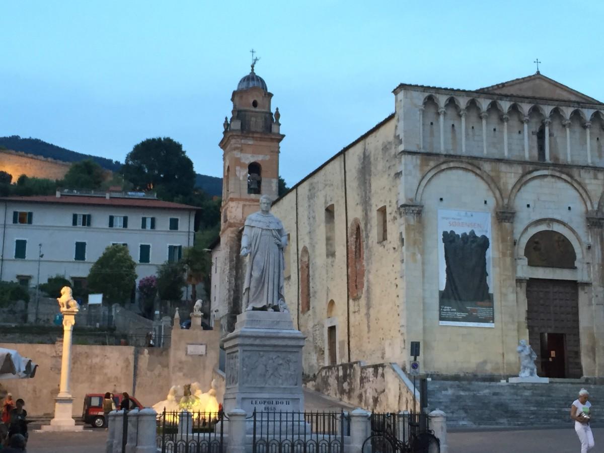 Pietrasanta's Duomo (c) A. Harrison