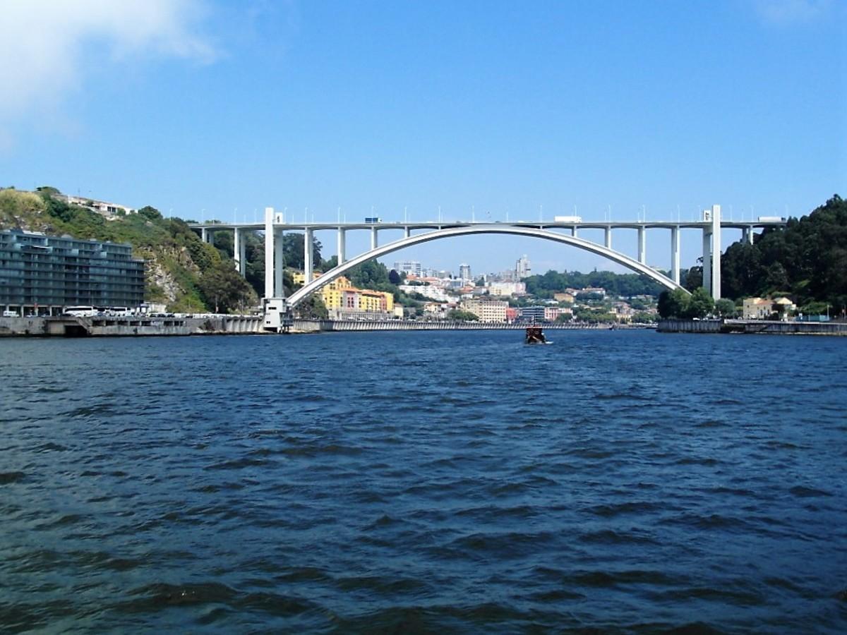 Ponte de Arrabida.