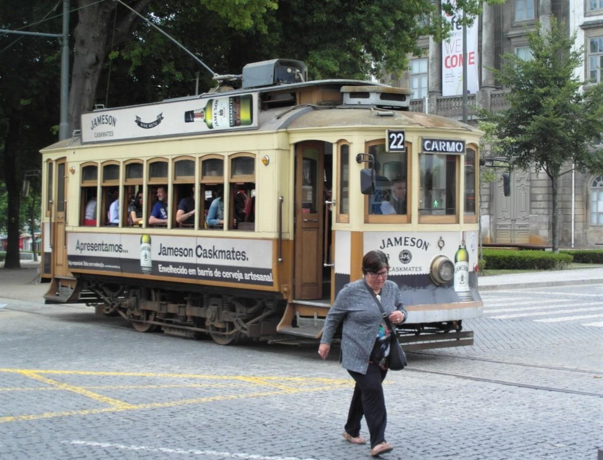 Tram 22.