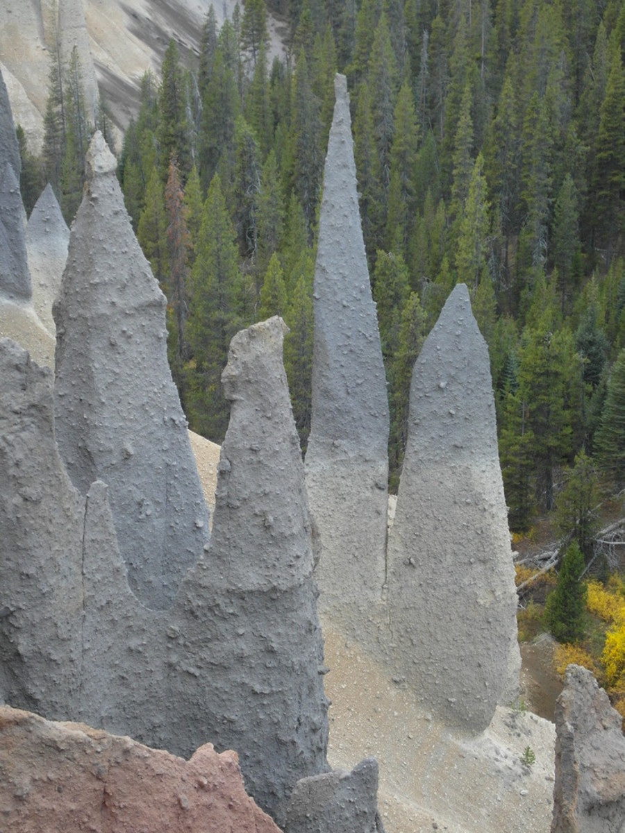 Spires along Pinnacles Trail.