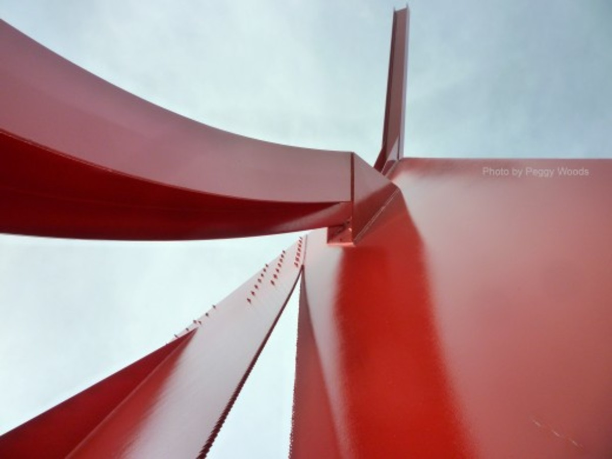 """Houston"" sculpture viewed from different angles"