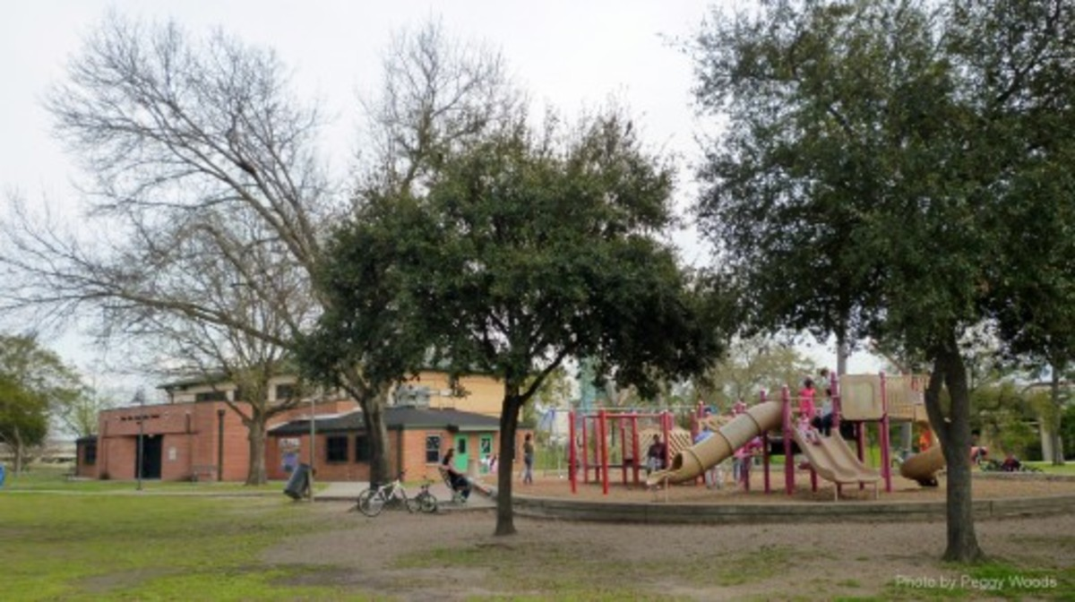 Stude Park Community Center and Playground