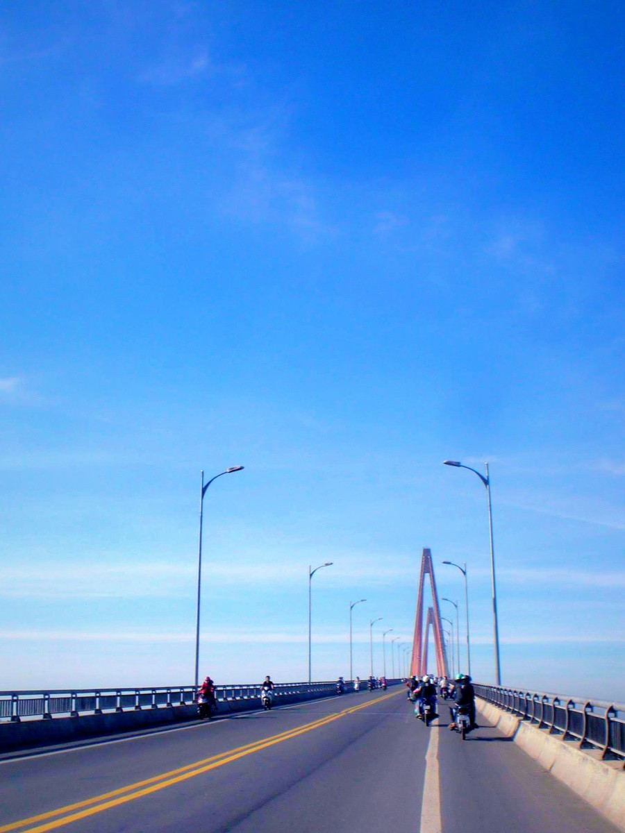 The Rach Mieu Bridge connects Tien Giang and Ben Tre.