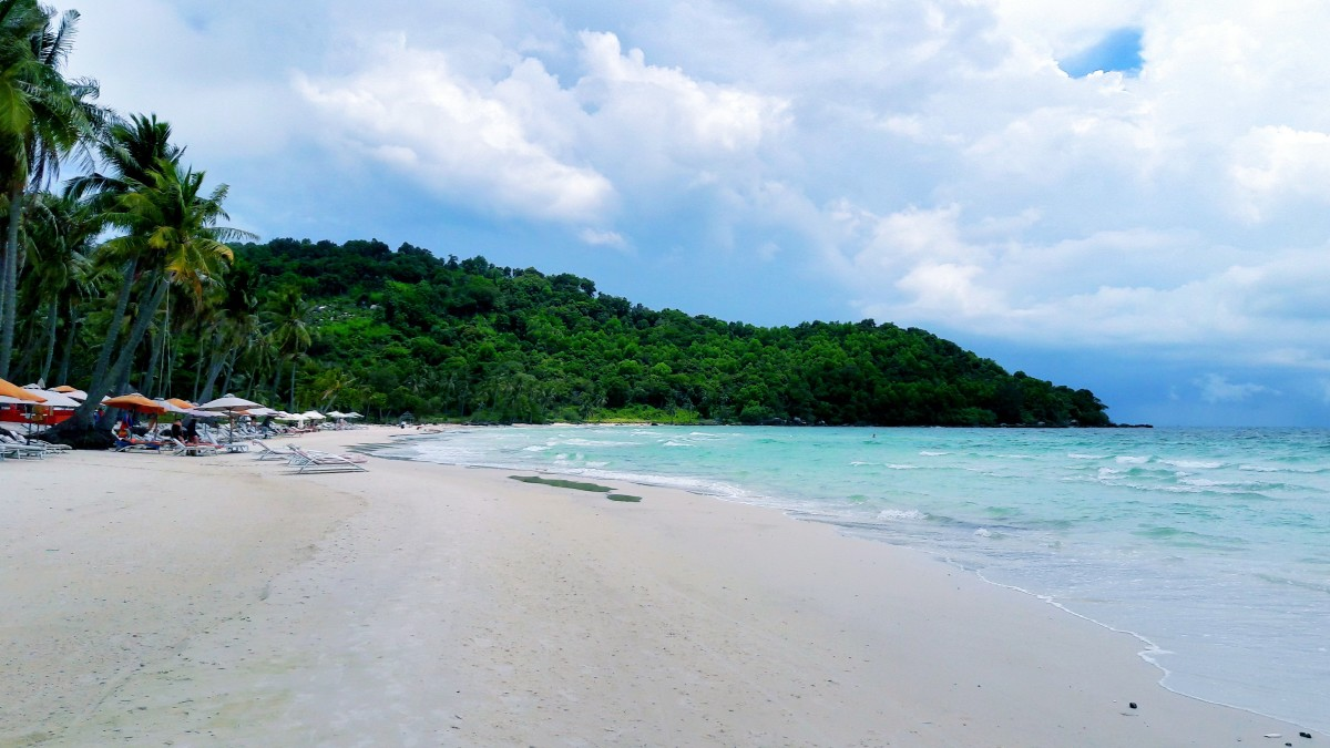 Star Beach is home to a long stretch of white sand.