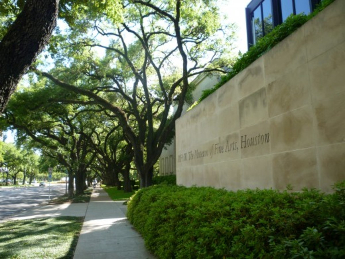 External view of a portion of the Museum of Fine Arts Houston
