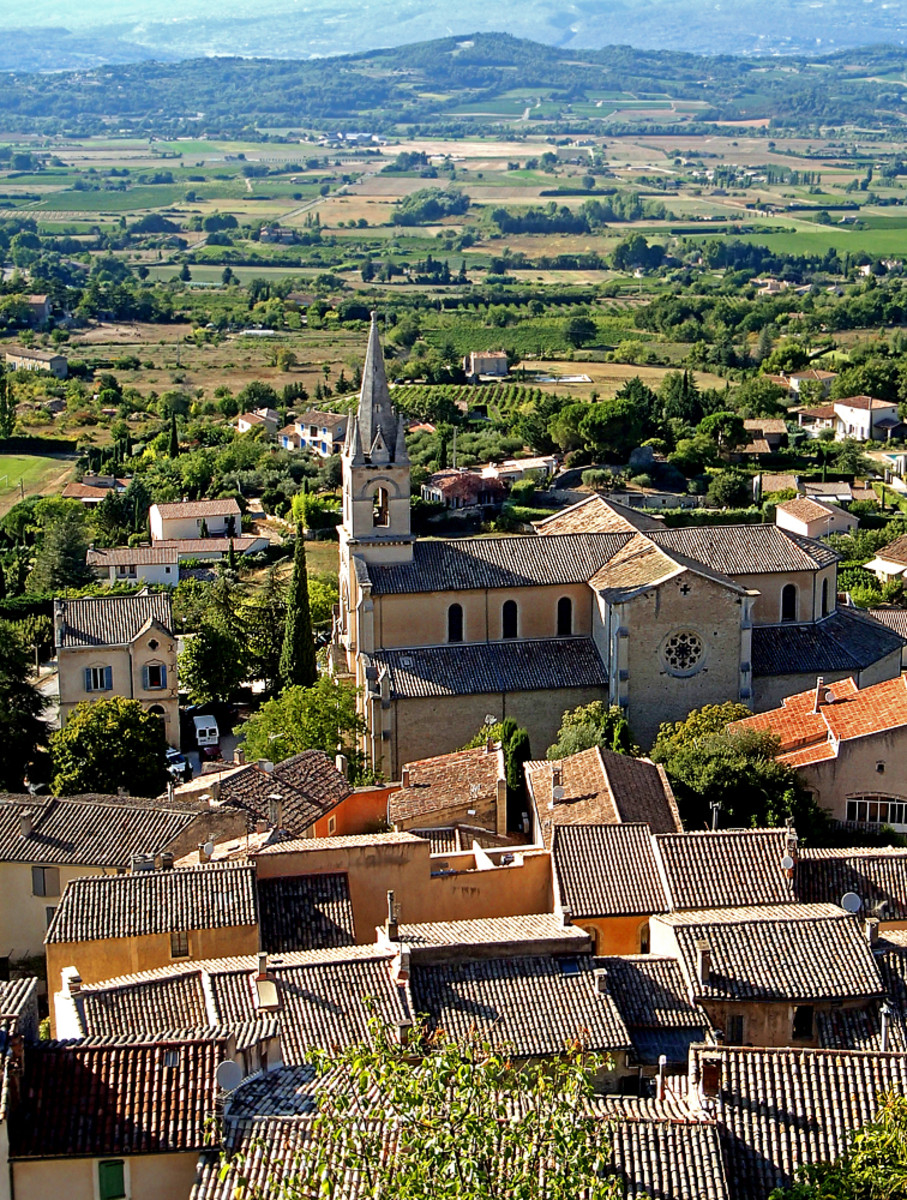 Unsurpassed countryside vista from the hilltop above Bonnieux.