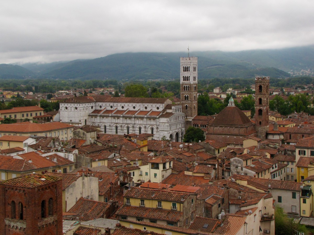 Lucca from atop the Torre del Ore