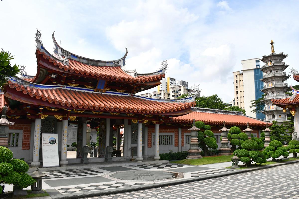 Despite facing a major highway, Lian Shan Shuang Lin Monastery is a meditative paradise the moment you step through its gates.