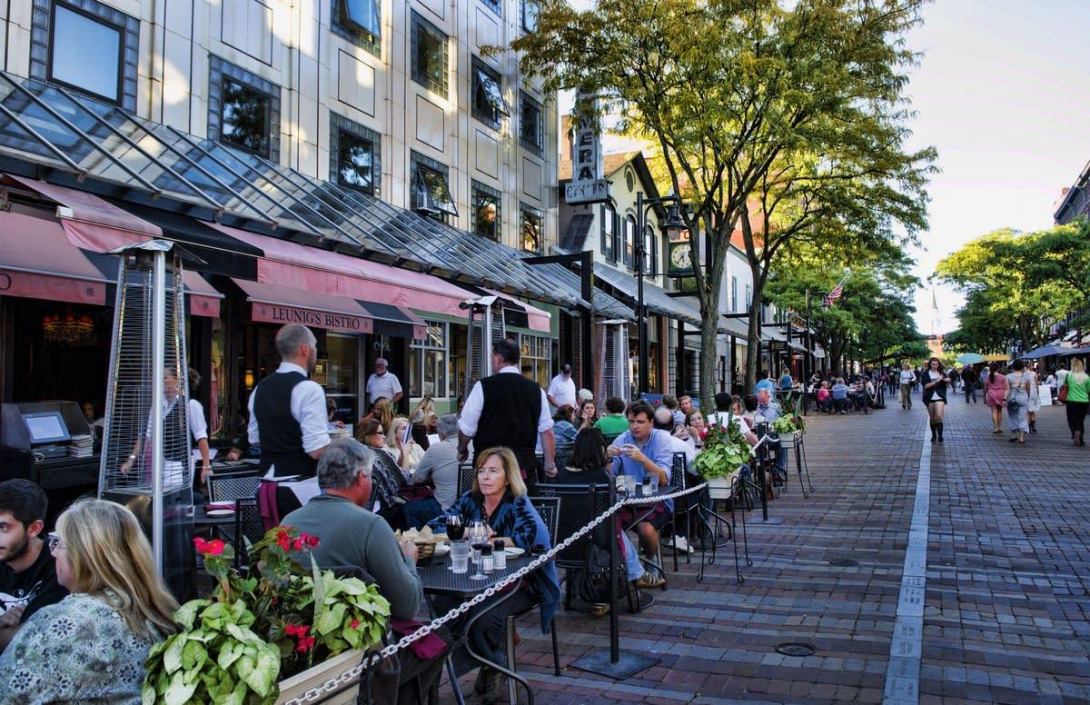 Leunig's Bistro & Cafe is one of my favorite brunch spots in Burlington.