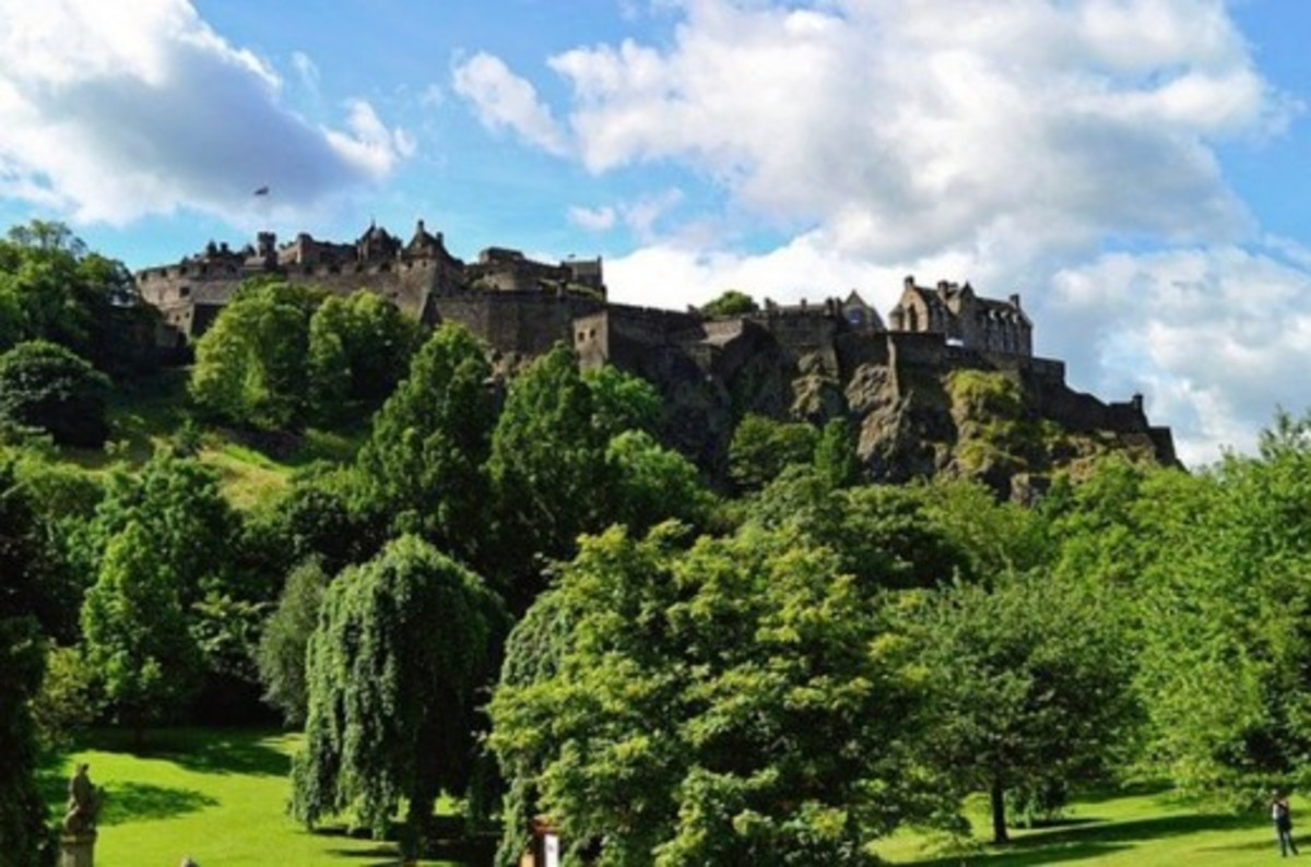 why-visit-edinburgh-castle-scotland