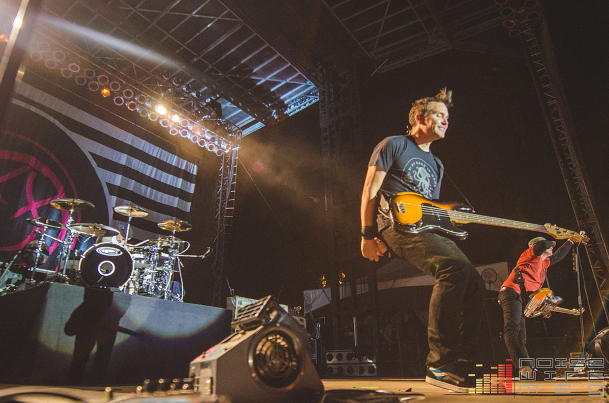 Blink-182 plays Riot Fest Chicao
