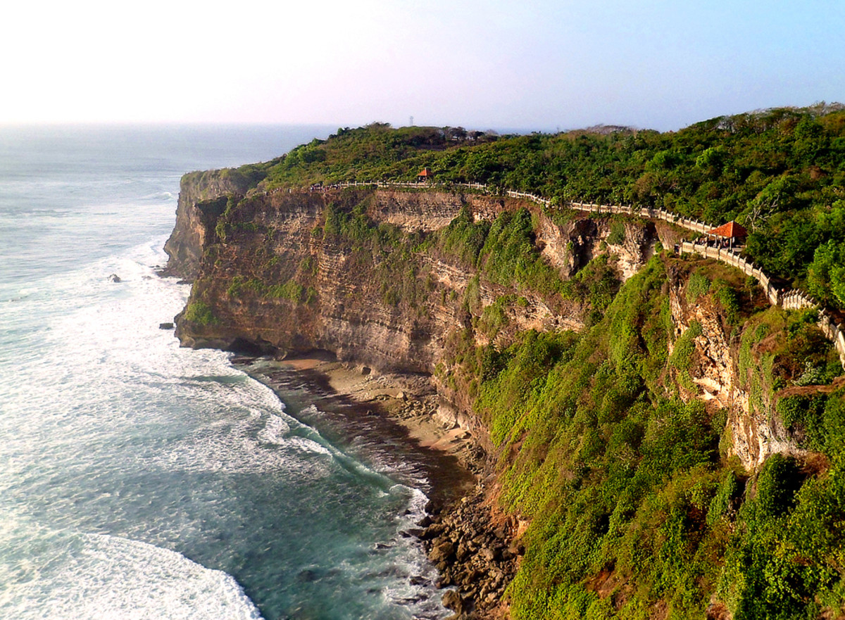 The half-mile long cliff edge trail and its wall.