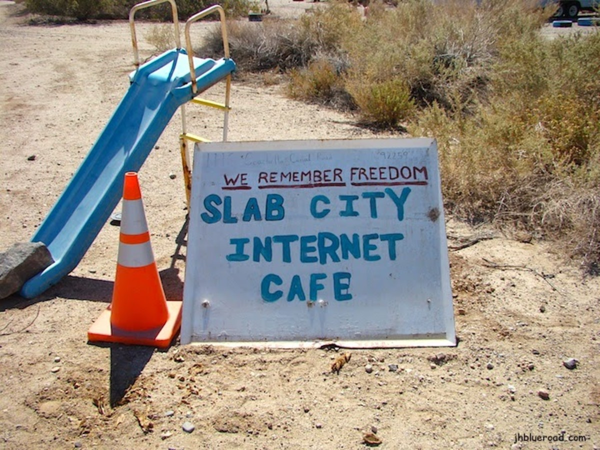 Slab City's Internet Cafe
