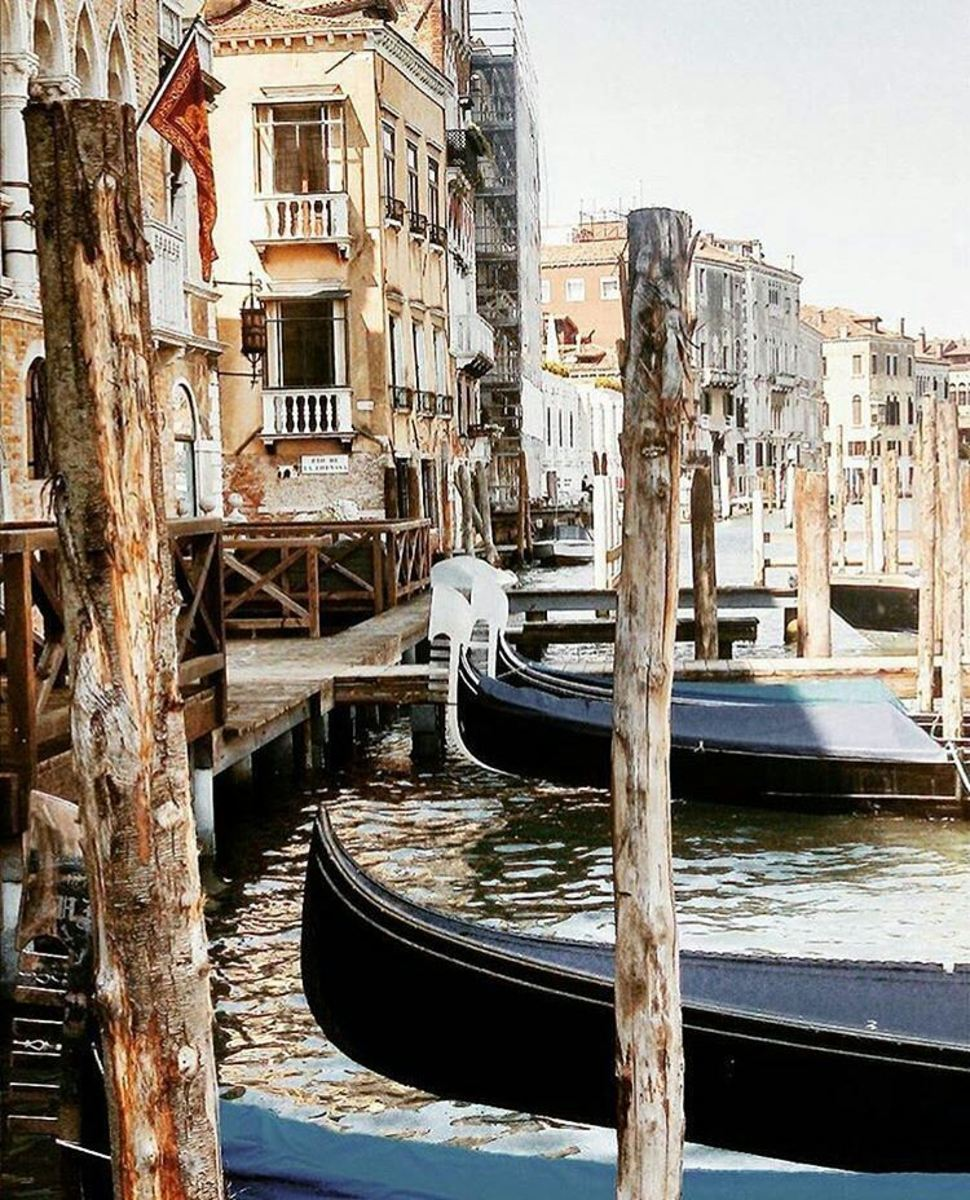 Gondolas at rest