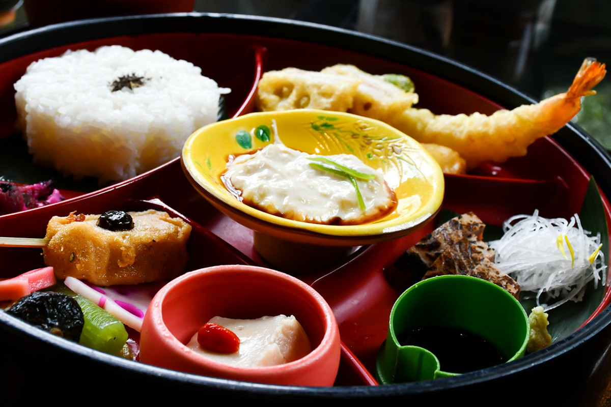 Other than Kyo-Kaiseki, most formal Kyoto meals are very artistically presented too.