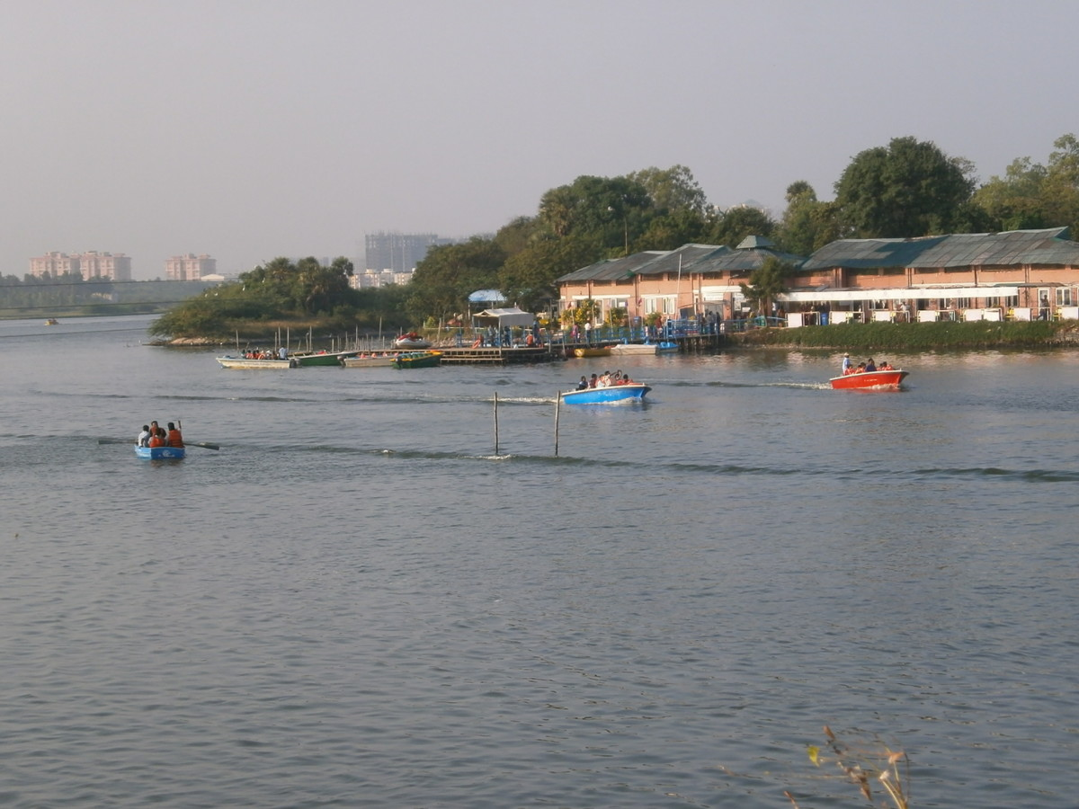 Boating in Muttukkadu backwaters