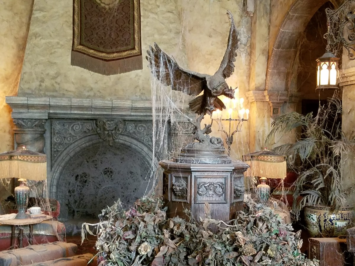 Inside Lobby of the Hollywood Hotel, Tower of Terror