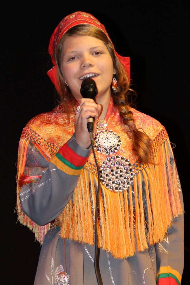 Here you can listen to the traditional Sámi Yoik being performed.
