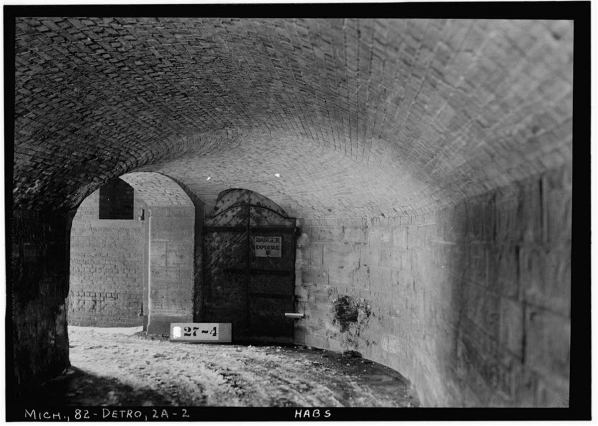 Sally port interior (controlled entrance) at Fort Wayne.
