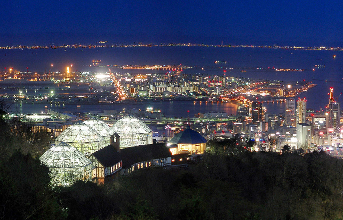 Evening view of Kobe Port from Mount Rokko.