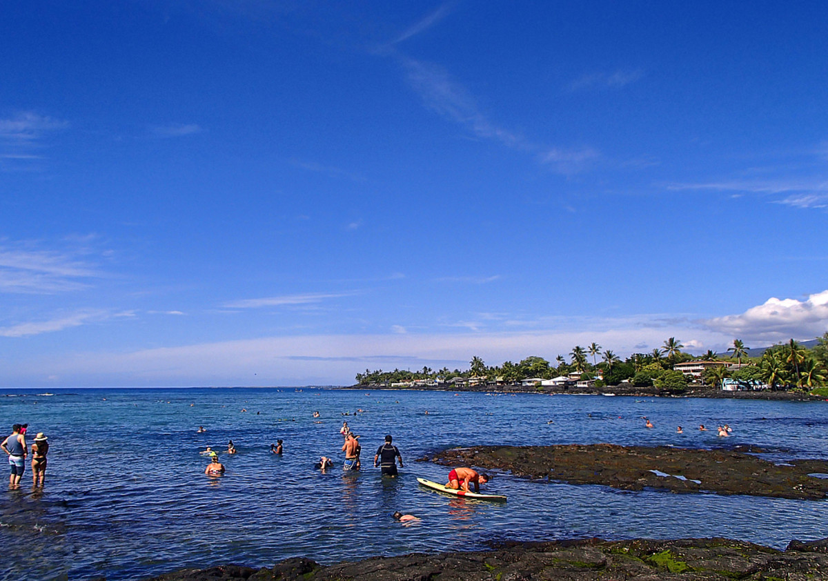 Early morning is the best time to go snorkeling at Kahalu'u Beach Park.