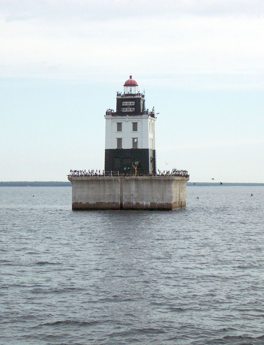Poe Reef Light @ Cheboygan State Park.