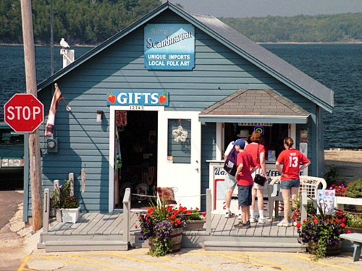 Gift shop in Gills Rock, Wisconsin near the Washington Island Ferry