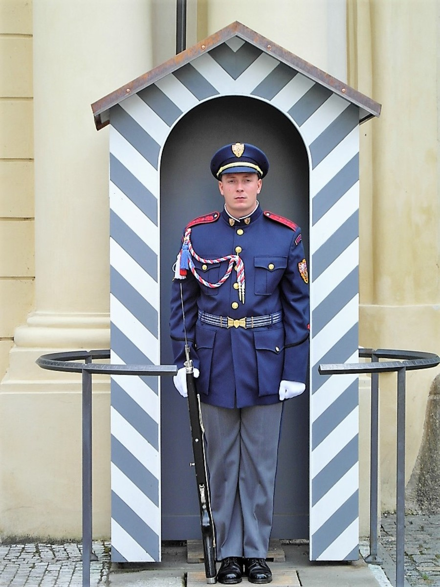 Guard at Prasny Most, north exit from Prague Castle.